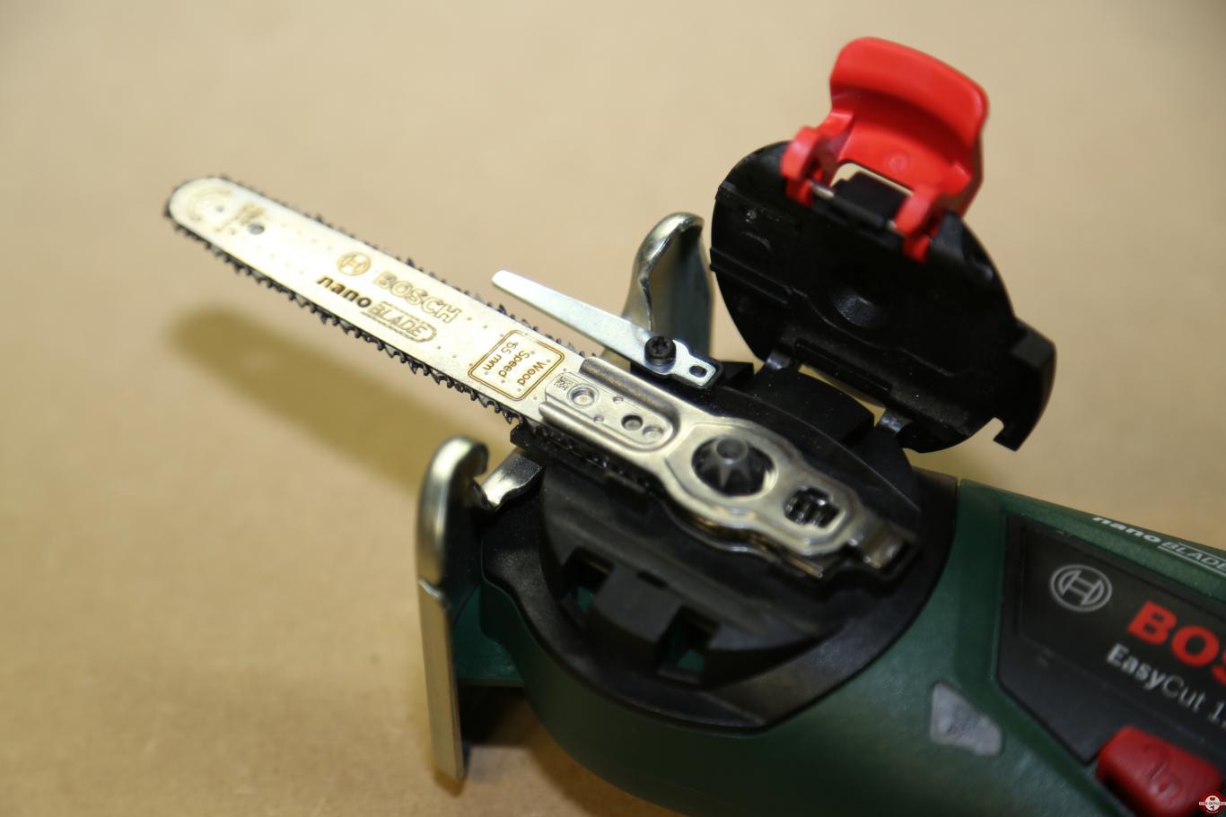 test de la scie easycut 12 à lame nanoblade bosch | bricolage
