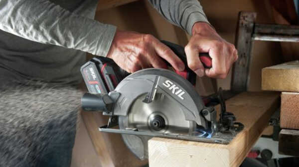 Scie circulaire Brushless 3550 SKIL