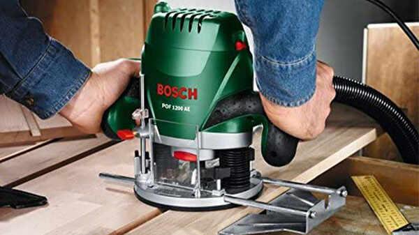 La défonceuse POF 1200 AE Bosch