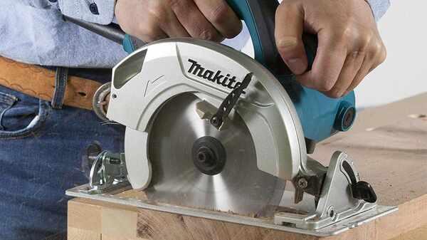 Test et avis de la scie circulaire Makita HS7601J prix pas cher