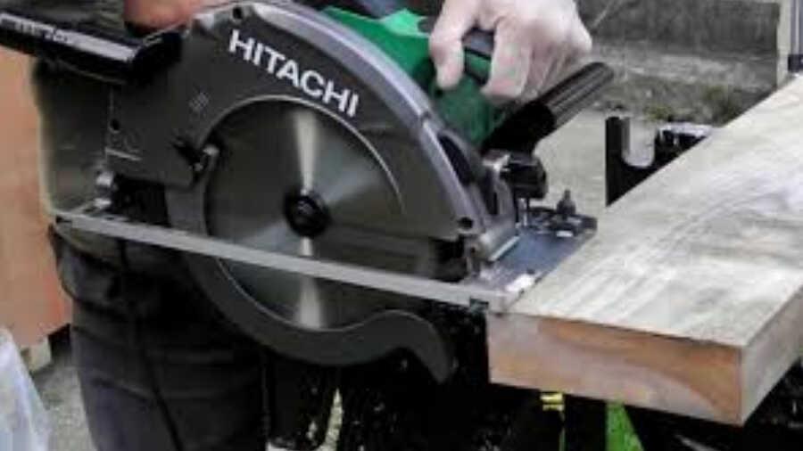 Scie circulaire Hitachi C9U2