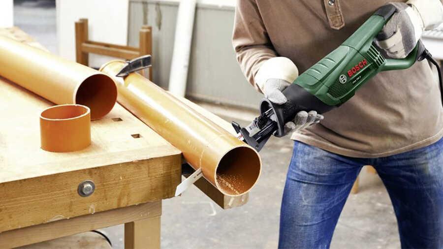 La scie sabre électrique PSA 700 E 06033A7000 Bosch
