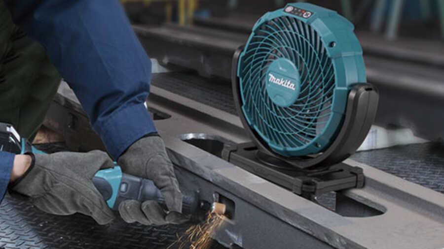 Le ventilateur sans fil CF100DZ Makita