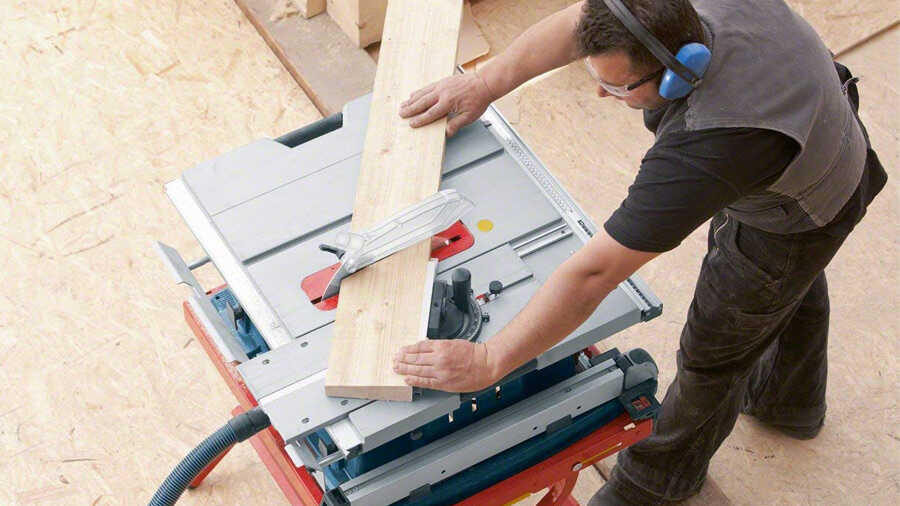 Scie sur table Bosch Professional GTS 10 XC