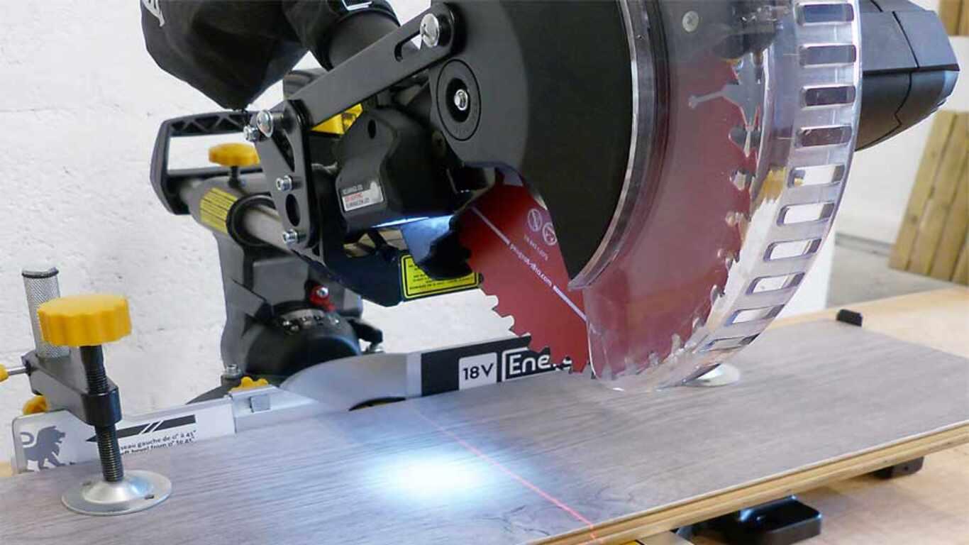 Scie à Onglet Peugeot Outillage EnergySaw-18VBL