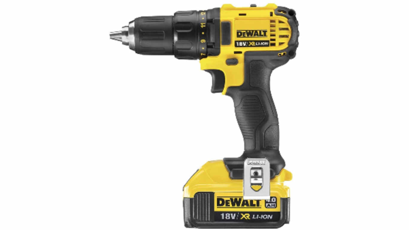 Perceuse à percussion DCD780M2 DEWALT